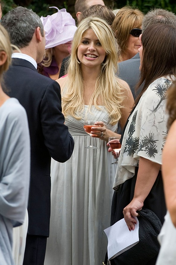 Holly Willoughby at her sisters wedding   Daily celebrity photos ...