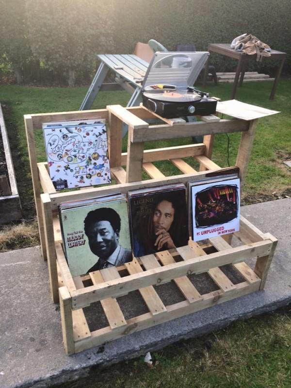 record player u vinyl storage unit shelves u coat hangers