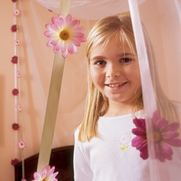 DIY kid canopy: Craft, Chain Canopy, Chains, Daisies, Bedtime Board, Daisy Chain, Pink Daisy, Kid, Canopies