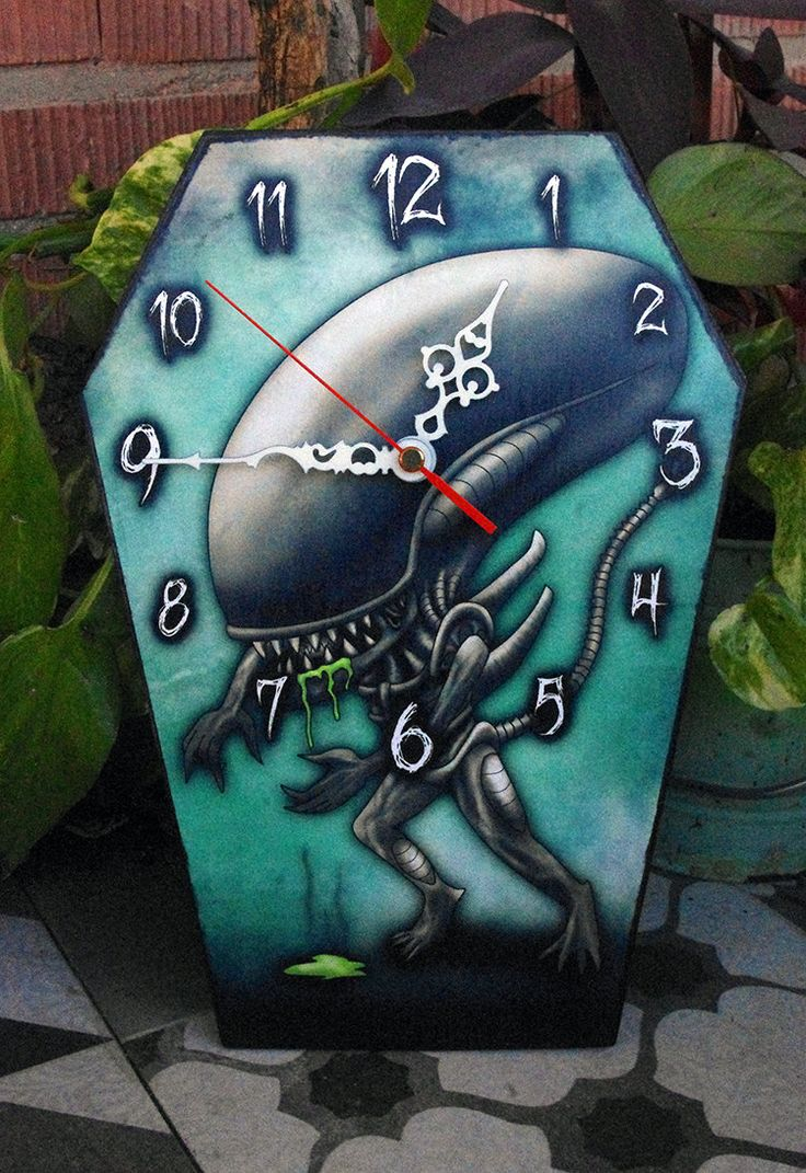 Reloj-ataud de pared Xenomorfo, de la saga Alien. Reloj con forma de ataúd. Decoración gotica. Película de terror. de Villaoscura en Etsy