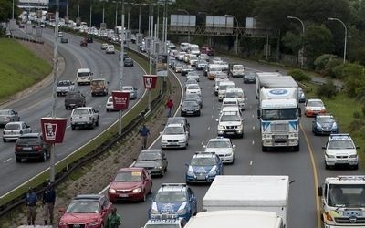 'Drive slow' protest swells | News24 #eToll #eTolls