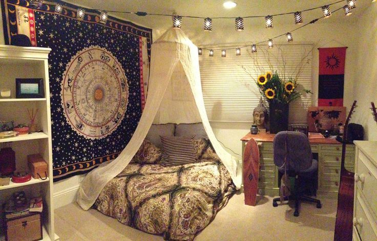 I love the bedspread-sunflowers-string lights combo | living  | Lights, Canopies and Bedrooms
