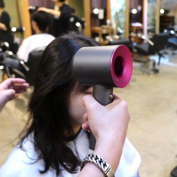 얼굴형에 맞게 뿌리볼륨펌  레이어드c컬펌 _시술영상_그냥말린머리 - - - #hairstyle #haircut #중간머리 #레이어드컷 #레이어드c컬펌 #c컬펌 #뿌리펌 #뿌리볼륨펌 #cs컬펌 #앞머리 #청담동 #셋팅펌 #바디펌 #애쉬브라운 #염색 #디지털펌 #컬처앤네이처 #강남미용실 #신사동미용실 #가로수길 #한남동 #압구정미용실  #데일리 #데일리룩  #셀프헤어 #셀프스타일링 #헤어샵
