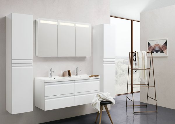 New mirror cabinet with mirrors and integrated light field that provides plenty of pleasant light, including inside the cabinet.