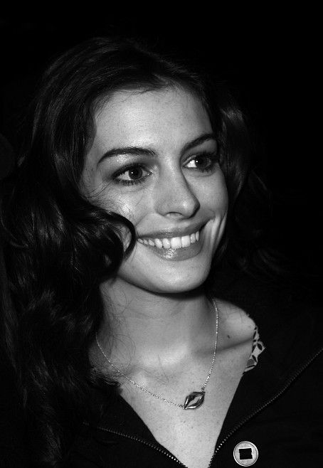 Anne Hathaway, by Christopher Peterson - CC BY 3.0