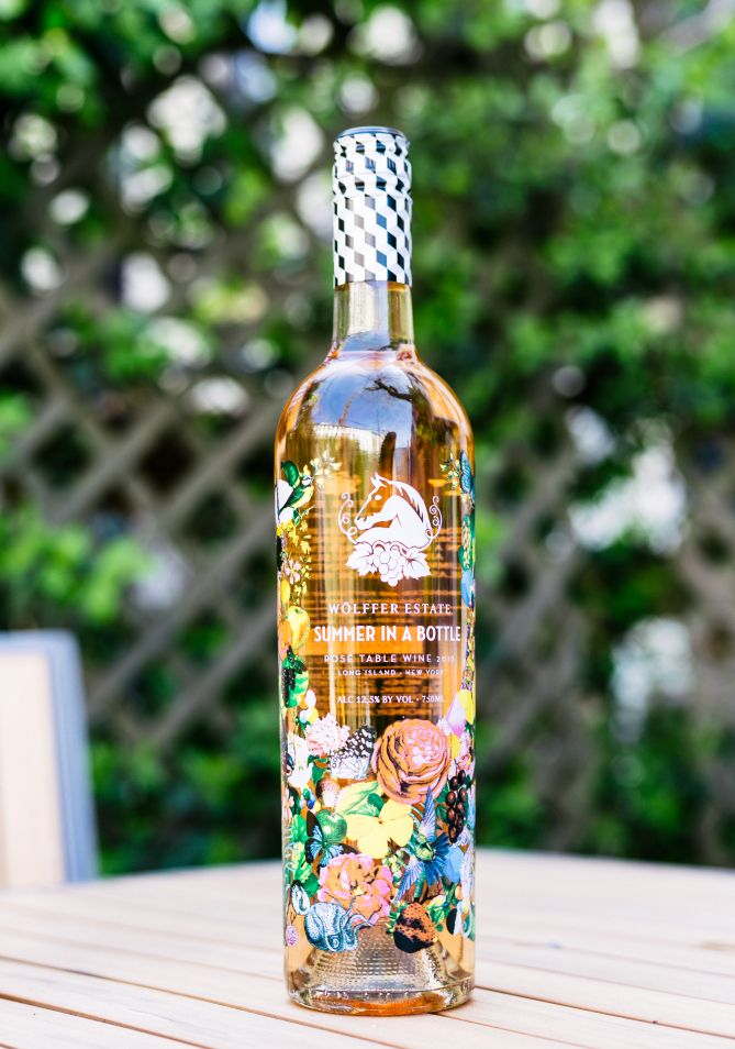 PEOPLE editors dishon the perfect pink wines to celebrate the summer season