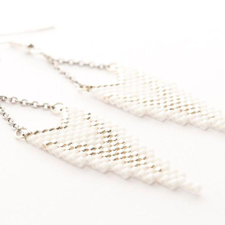 """Marina (@artistic.bracelet) Instagram-hozzászólása: """"La gamme CLEO argent et blanc est maintenant disponible sur la boutique. Bonne soirée à tous 😊…"""""""