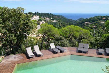 Bekijk deze fantastische advertentie op Airbnb: Villa with Pool and Views of Begur in Begur