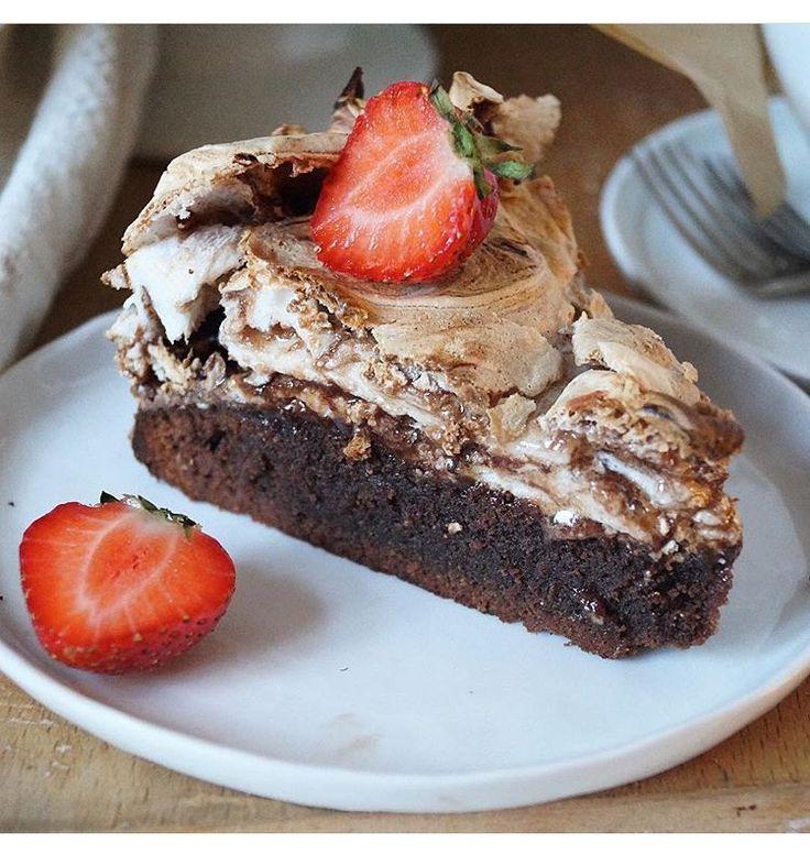 Brownie-marängtårta