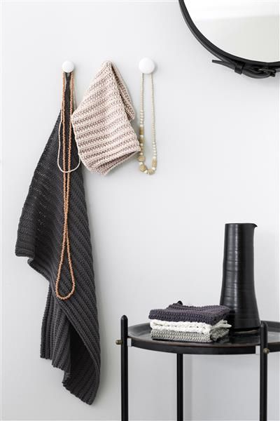 T44: Design 6 og 7 Håndkle og klut i falsk patent #bomull #cotton #strikk #knit #klut #washing