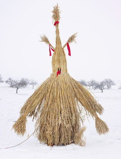 Wilder Mann: Strohmann  The Strohmann (Straw Man) of German rural mythology has been variously interpreted as a Wild Man, a personification of lust and a symbol of winter