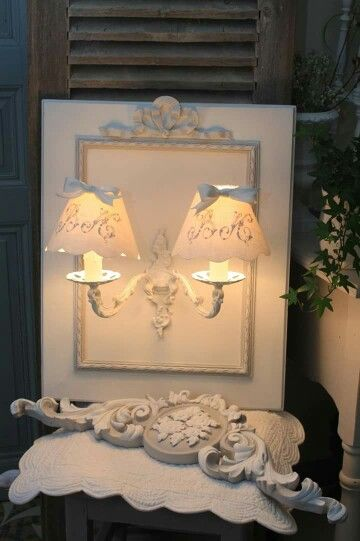 Shabby chic light sconce