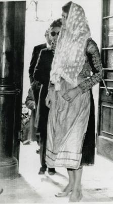 Jacqueline Kennedy Onassis enters Saint Gerry Church on the Island of Corfu, Greece on January 3, 1970.