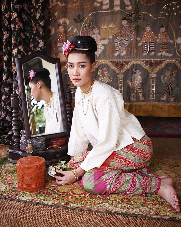 Burmese girl   my makeup   #ผ้าและสิ่งถักทอไท #makeup