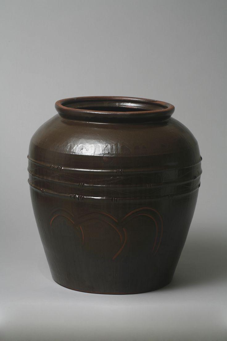 Onggi Jar / 2015 / Mixed Clay / a Clay board Whip of Onggi Skill / made by Heul-gi