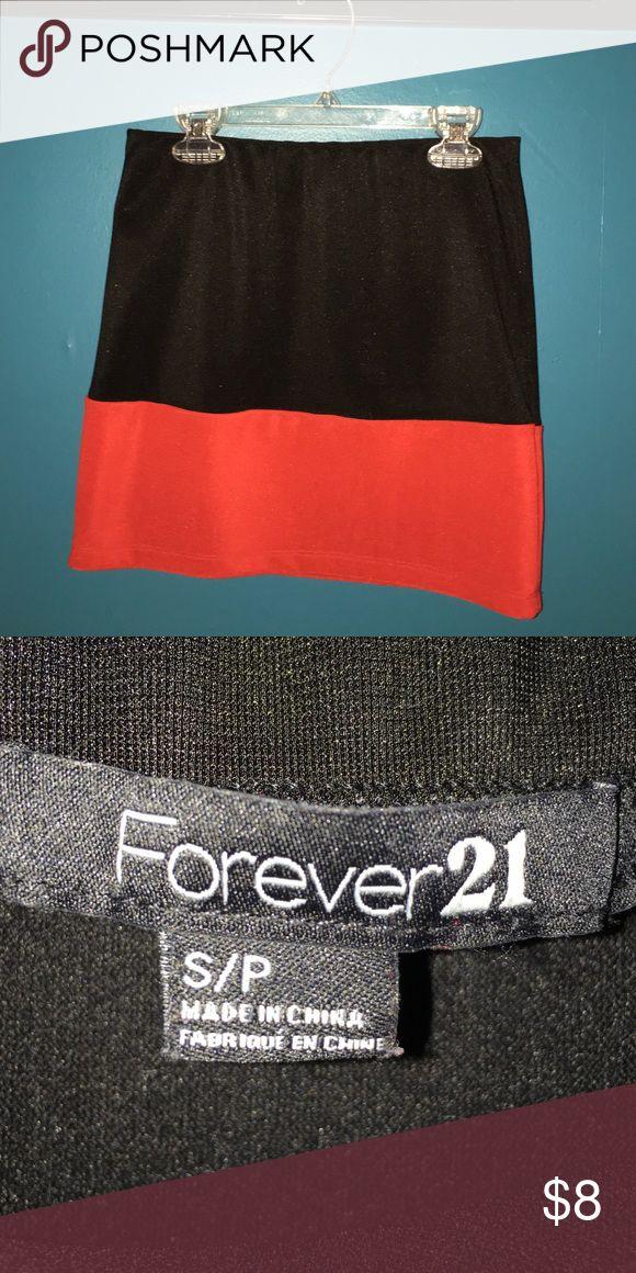 Forever 21 red and black mini skirt Forever 21 mini skirt. Perfect for parties 🎉 Forever 21 Skirts Mini