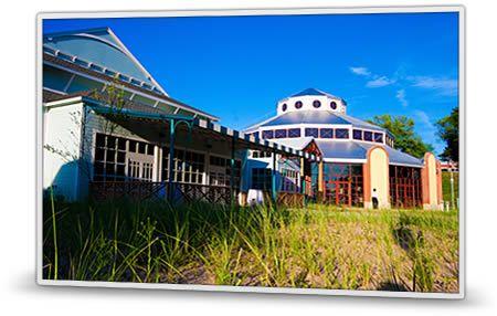 Silver Beach, St. Joseph,MI 28.9 Miles ( 50 minutes) from Southwestern Michigan College