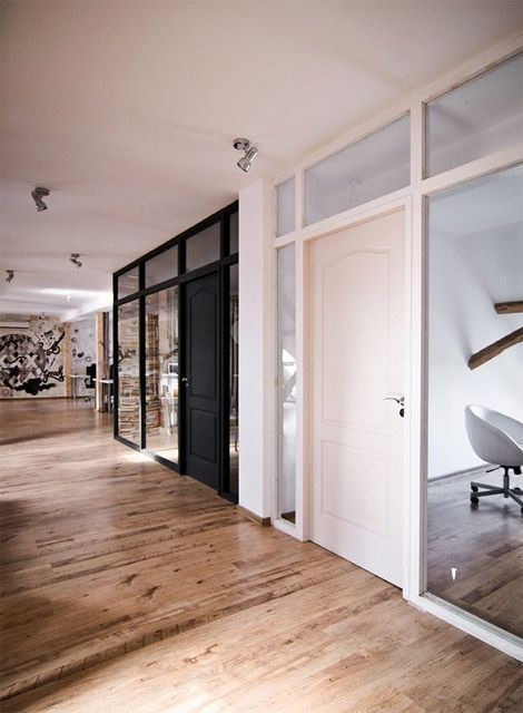 Cool Interior Office Designs With Plants: His'n'hers Offices
