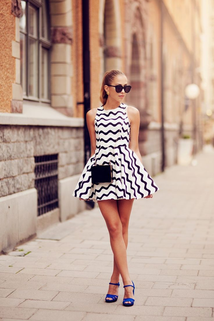 Kenza in the Graphic Wave Skater Dress