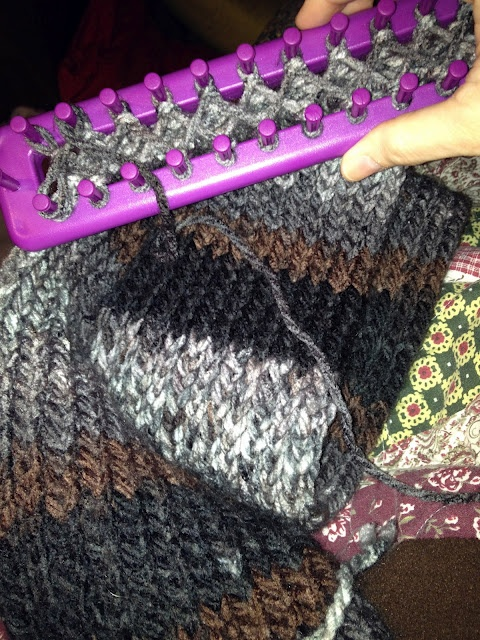 Loom Knitting A Double Sided Scarf  Tutorial