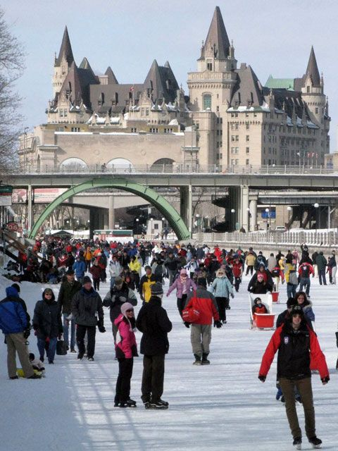 The  Rideau Canal is a chain of beautiful lakes, rivers and canals winding 202 km  from Kingston, at the head of Lake Ontario, to Ottawa, Canada's capital city.  One of Canada's historic canals, the Rideau is a skater's and boater's  paradise.