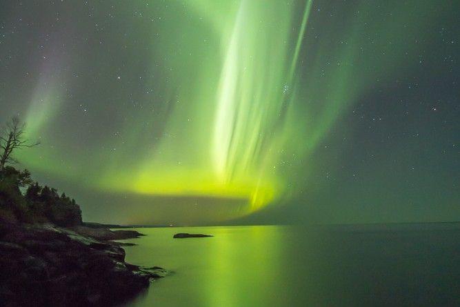 Auroras boreales sobre el Lago Superior (Estados Unidos) | El Universo Hoy