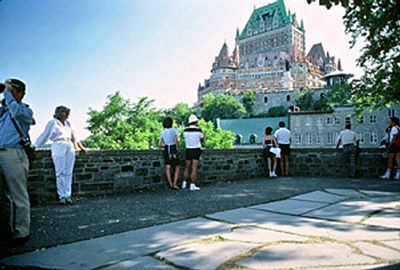 General view of Montmorency Park showing the retaining wall emphasizing its association to its past as part of the military infrastructure of the city, 1984 © Parks Canada Agency / Agence Parcs Canada, P. St. Jacques, 1984.