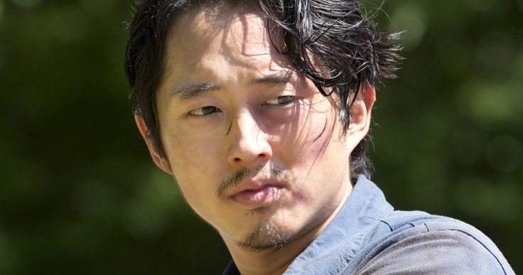 'Walking Dead': Negan's Entrance Is Diffrent from Comic, Is Glenn Safe? -- Steven Yeun thinks the arrival of Negan on 'The Walking Dead' is awesome, teasing that the story might not follow the comics. -- http://movieweb.com/walking-dead-season-6-negan-arrival-glenn-steven-yeun/