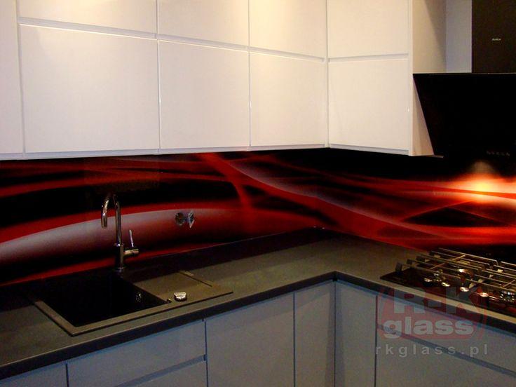 Szkło budowlane z grafiką to elegancka ozdoba każdej kuchni.