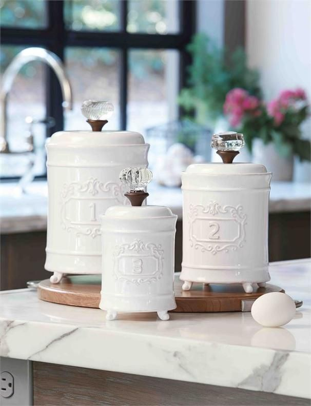 Circa Canister Set 99 00 3 Piece Set Footed Ceramic Graduated Size Canisters Feature Vint Farmhouse Kitchen Canisters Ceramic Canister Set Mud Pie Kitchen