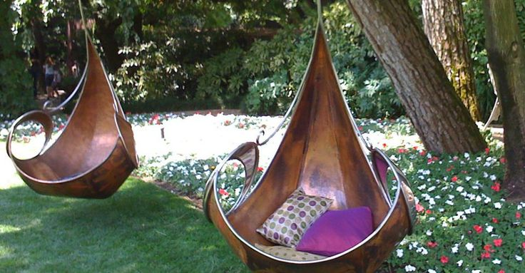 a garden swing that's fit for fairies.