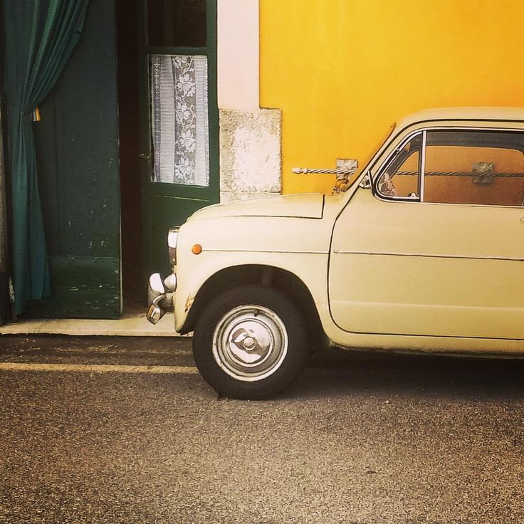 One of the ubiquitous Fiat 500 ones sees all along the coast... Copyright www.andrewforbes.com #Vintage #cars #fiat500 #Italy #AmalfiCoast #lovetravelling