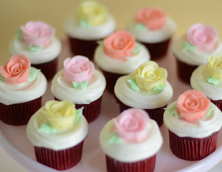 25 best Romantic Wedding Cupcakes images on Pinterest | Conch ...