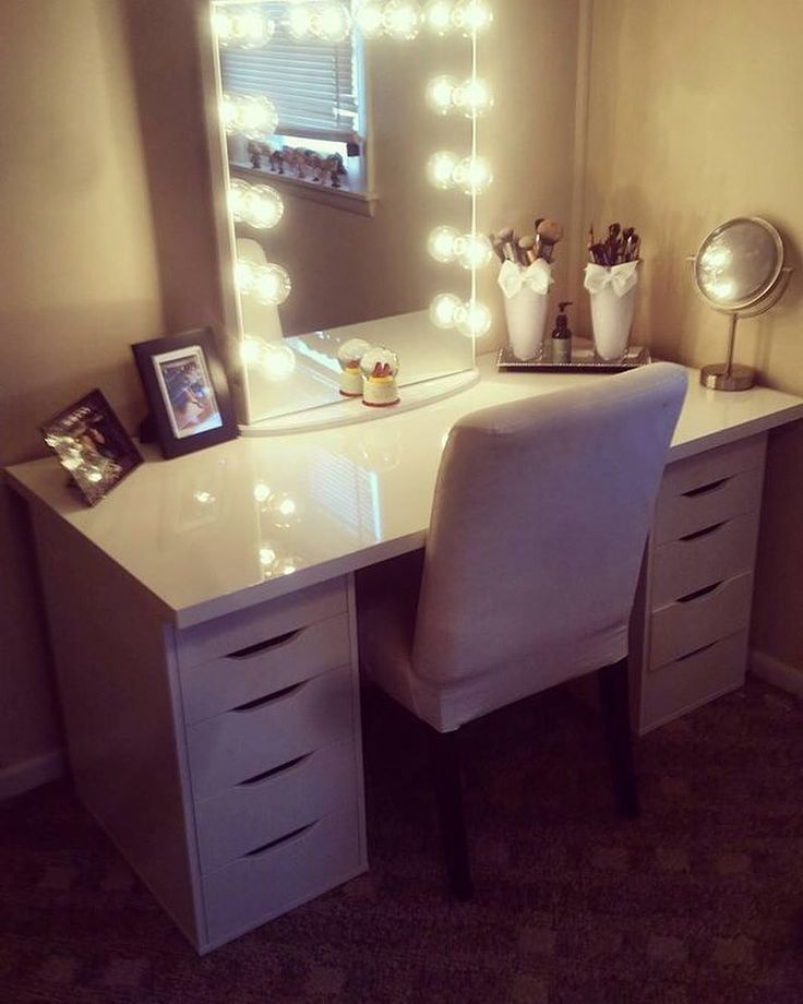 Ahh!  Loving this classic duo from @kaitreilley featuring the #ImpressionsVanityGlowXL and IKEA Alex Drawers