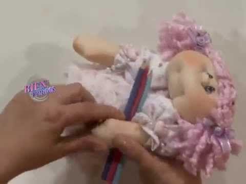 Silvia Nieruczkow - Portalápices con muñeca de lata