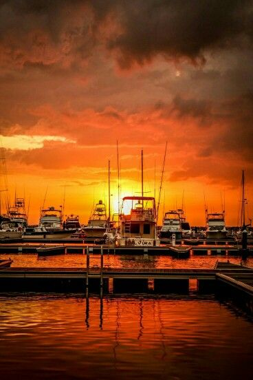 THE BEAUTIFUL CARTAGENA, COLOMBIA !!!Atardecer en la marina...