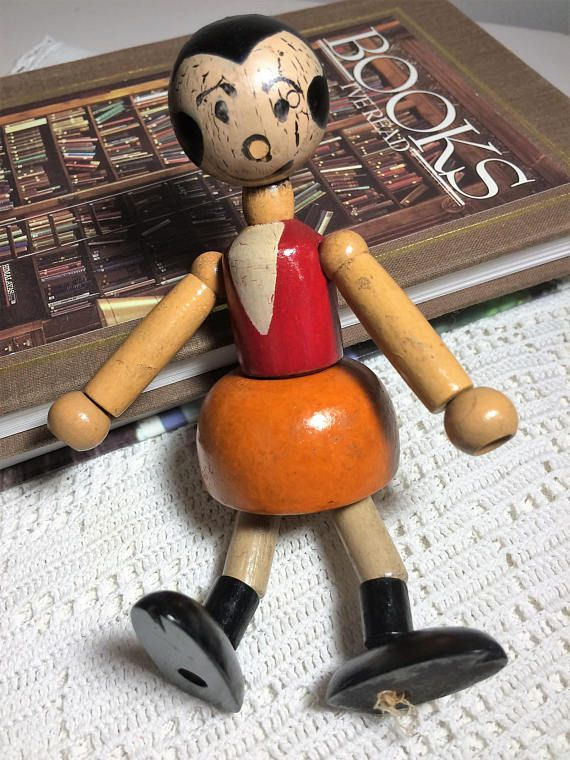 Olive Oyl Rare 1930s Wood Jointed String Olive Oyl Doll by KFS (King Feature Syndicate) Strung with Movable Joints, Popeyes Girlfriend, Antique Collectible Made in the USA  What a rare find; Popeyes girlfriend Olvie Oyl from the 1930s. This item is In vintage condition with wear