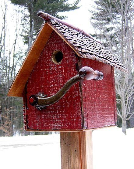922C recycledbirdhouses.com