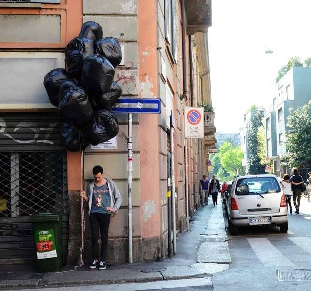 Provocative Street Art by Fra.Biancoshock http://restreet.altervista.org/fra-biancoshock-artista-delleffimero/