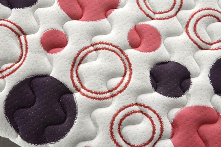 Mod. CIRCUS Il valore aggiunto delle cover! La cover in cioccolato e latte valorizza la naturalità del materasso SAND, mentre il design innovativo di RAINBOW e CIRCUS  dona colore ed allegria al sonno!