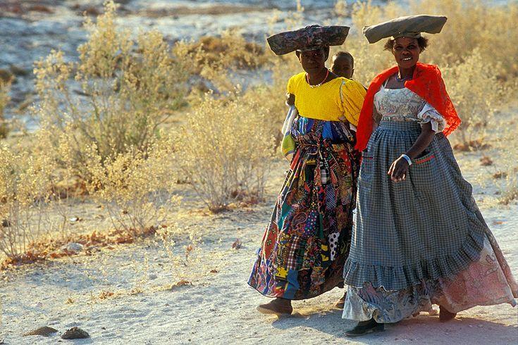 Mujeres herero. Namibia. © Inaki Caperochipi Photography
