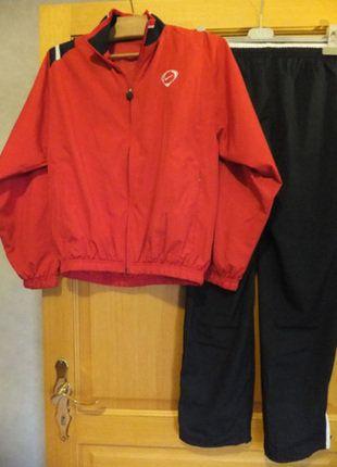 À vendre sur #vintedfrance ! http://www.vinted.fr/mode-femmes/survetements/26509870-survetement-sport-mixte-nike-noir-et-rouge