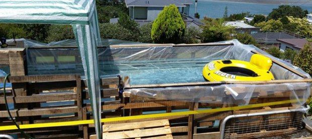 Looking for an interesting, creative, or economical way to make your own swimming pool? Here are some ideas:   livestock water trough: 4×4 lumber pool: trash dumpster:   sea containers (things…