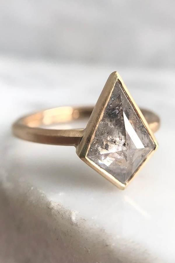 21 Unique Engagement Rings That Stand