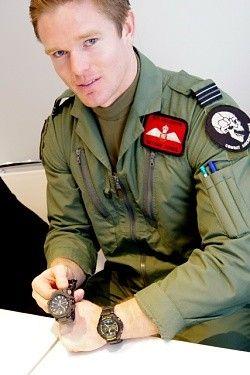 BASELWORLD 2012 - 英国空軍が求めたパイロット仕様のG-SHOCKとは? (2) 軍の上官もG-SHOCKをすすめる?   マイナビニュース