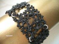 RIANNE fekete csipke, hajócsipke karkötő gyöngyökkel / tatted bracelet
