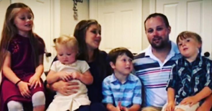 Josh duggar and family congratulationing jill  and derick on Samuel