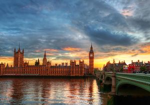 Budget advenure bus trips if London and England