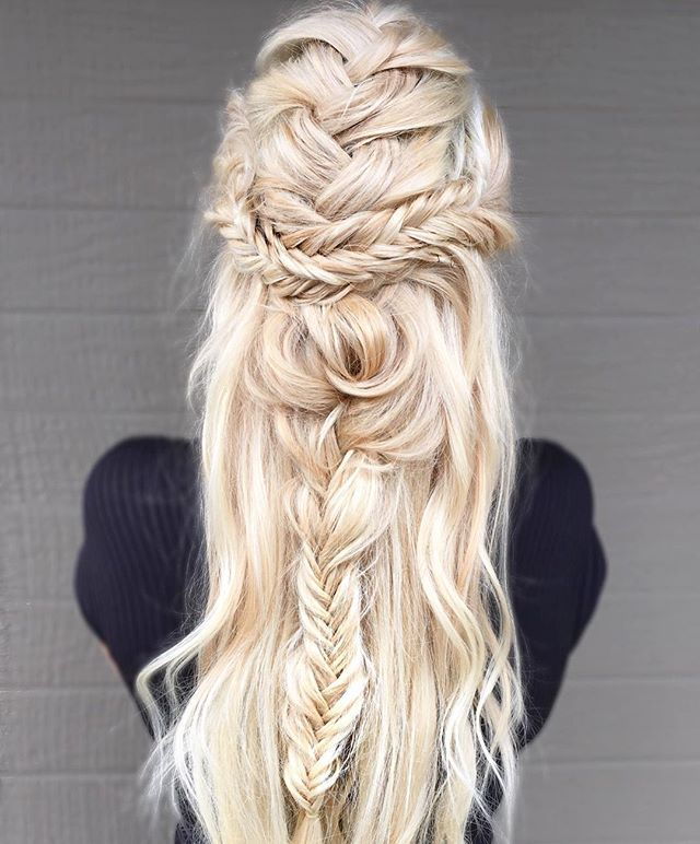 Messy Boho Braid  by @samantha_chromatique