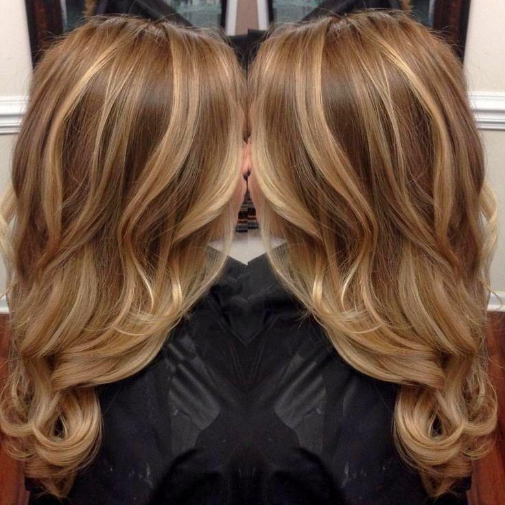 После калифорнийской техники ваши волосы будут просто поражать игрой оттенков, плавно переходящих друг в друга